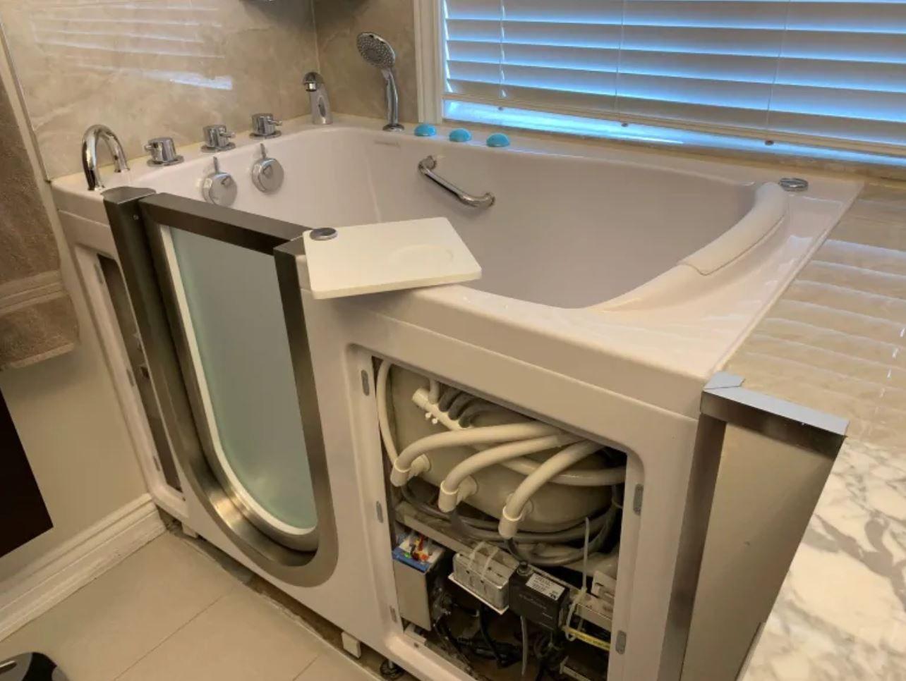 Home Depot也坑人?多伦多女子花$2.7万装浴缸,整个家都毁了