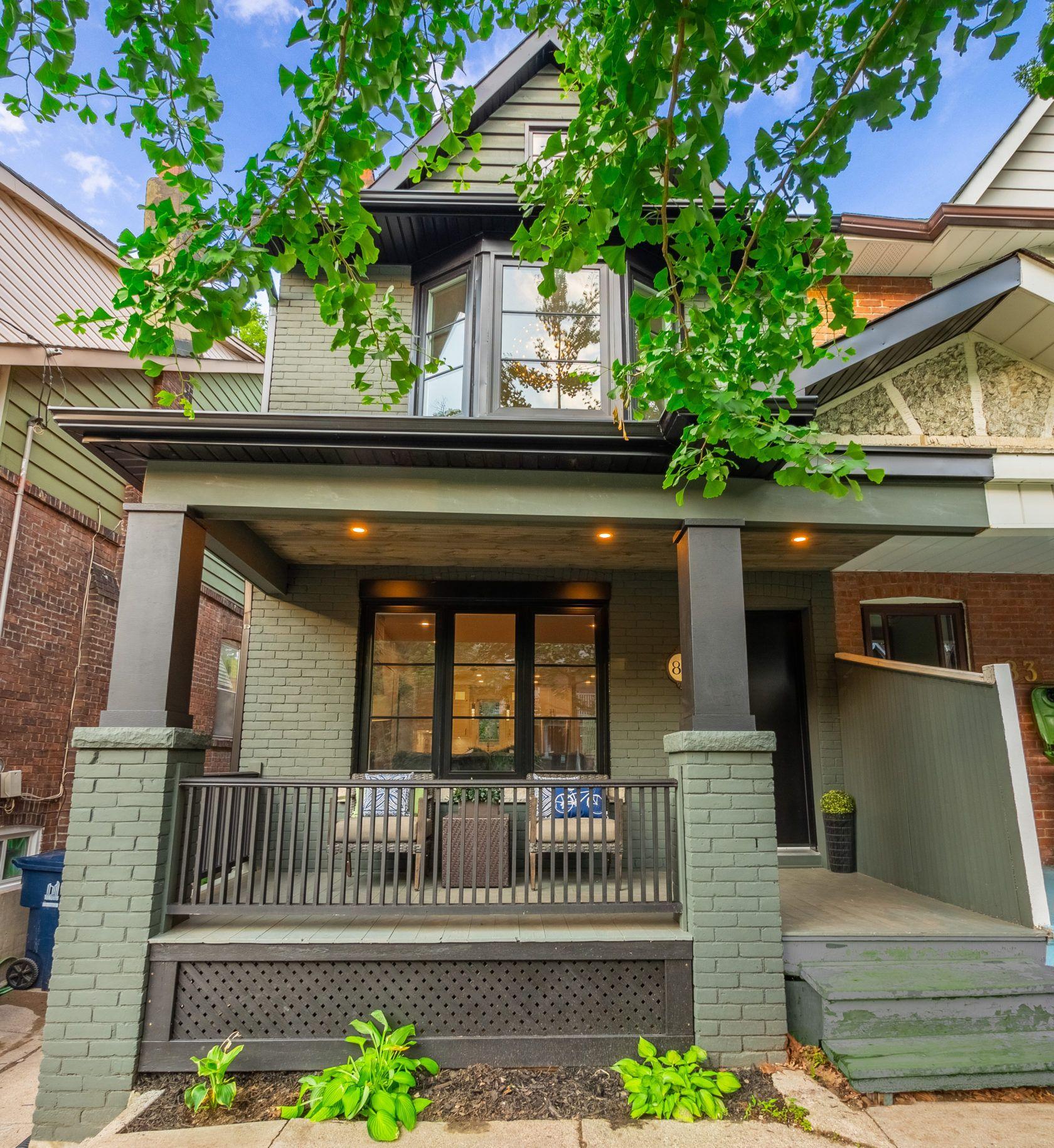 多伦多小独立屋一年升值50万,超出叫价33万卖出,怎么做到的?