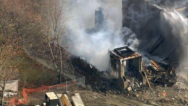 突发!列治文山发生火灾!3所房屋被烧!