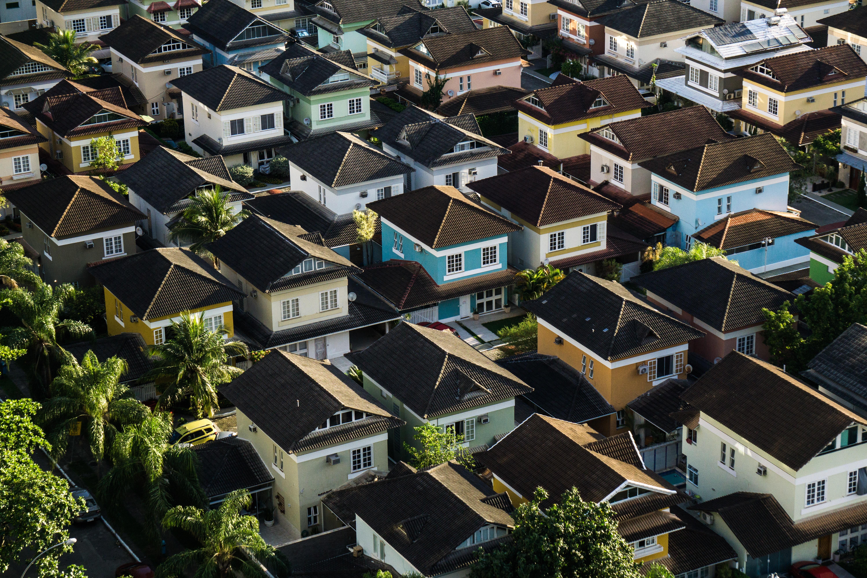 加拿大楼市热度不减,全国房价同比上涨9.6%,成交量疯长22.7%